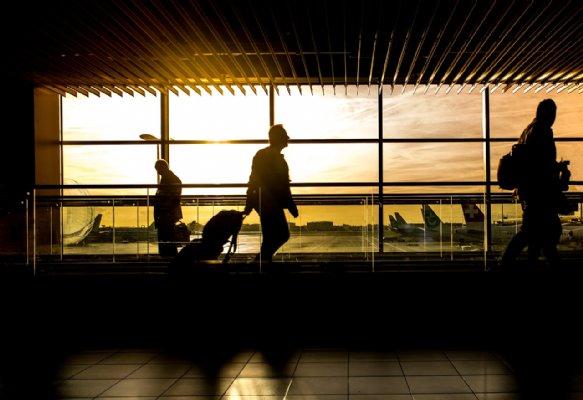 Posto No Aeroporto Do Galeão Funciona Em